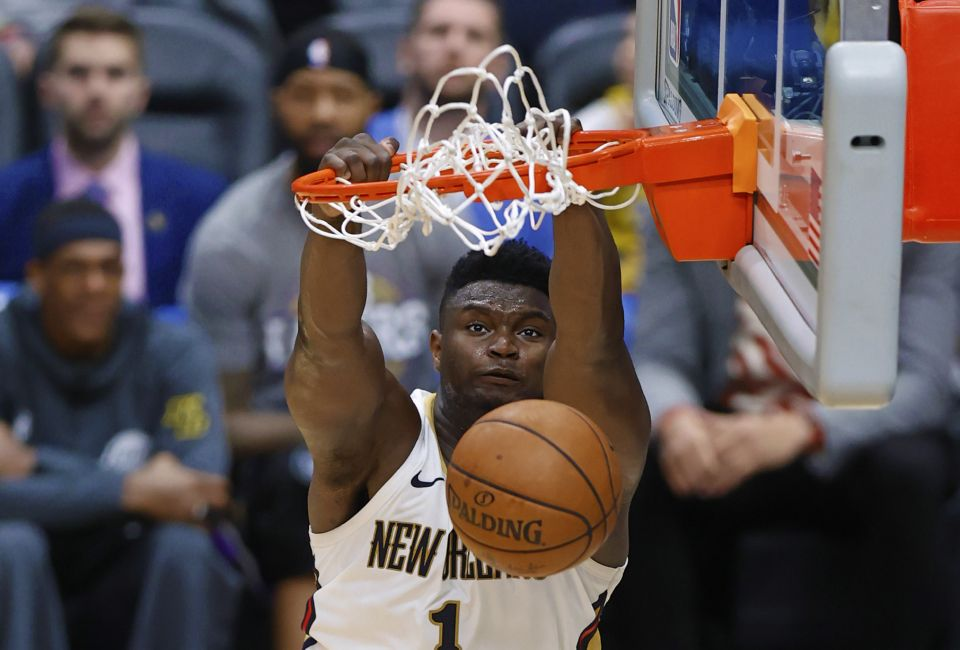 New Orleans Pelicans forward Zion Williamson (1) dunks the ball during a NBA game between the New Orleans Pelicans and the Los Angeles Lakers at Smoothie King Center in New Orleans, LA on Mar 01, 2020.