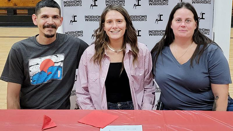 Track standout signs with Northwestern Oklahoma State – People – cherokeephoenix.org