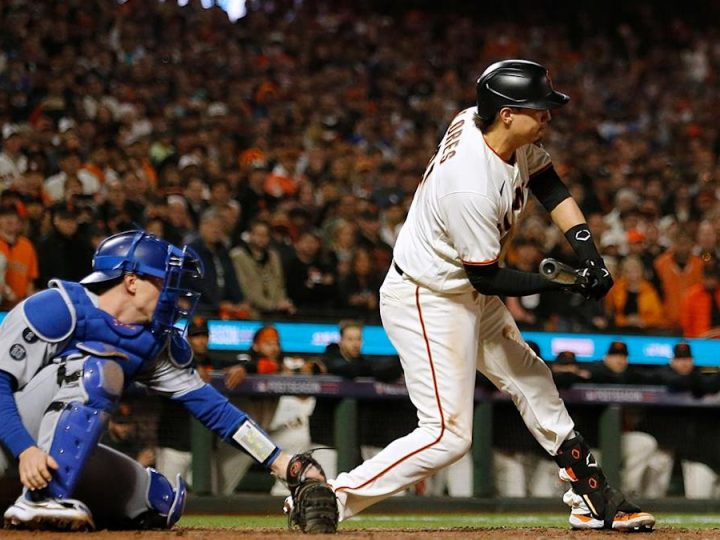 Two straight Giants seasons end with controversial third strike