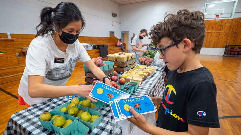 Mobile Farmers Market helps youth learn about nutrition – Oklahoma State University