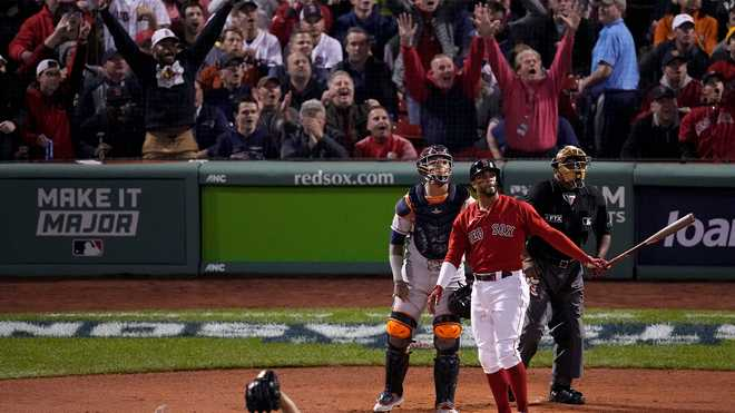 Red Sox fall to Astros in Game 4; ALCS tied 2-2